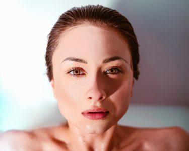 【美容オイルとして大注目】CBDオイルが肌にもたらす効果